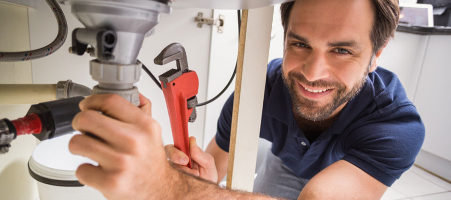 Pour quels travaux recourir à un plombier
